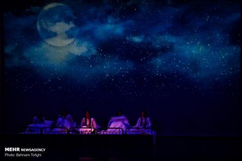 رویا تیموریان در نمایش خانه برناردا آلبا,خانه برناردا آلبا,تالار وحدت,عکس نمایش خانه برناردا آلبا