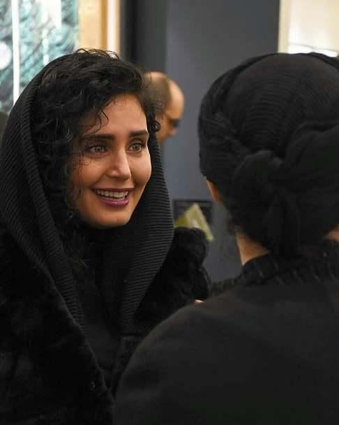 چهره خندان الناز شاکردوست در حراج هنرهاي معاصر تهران