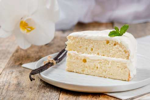 پف کیک,خوابیدن پف کیک,دلیل خوابیدن پف کیک,چرا پس از پخت پف کیک خوابیده است ؟