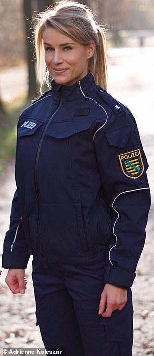 آدریانا کولستار در لباس پلیس
