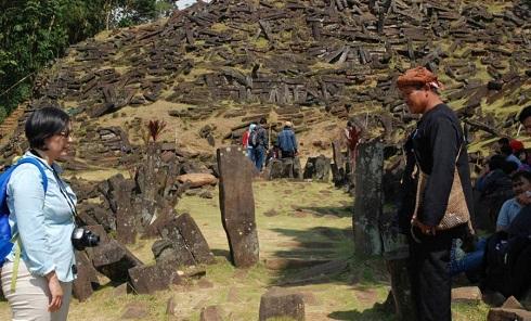 قدیمی ترین هرم,هرم قدیمی,کشف قدیمی ترین هرم دنیا,قدیمی ترین هرم جهان,Gunung Padang
