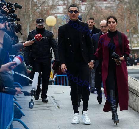 رونالدو و نامزدش درحال ورود به دادگاه مادرید