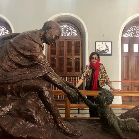 عکس شبنم قلی خانی در هند