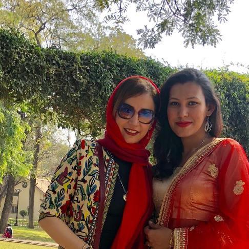 عکس شبنم قلی خانی در سفر به هند