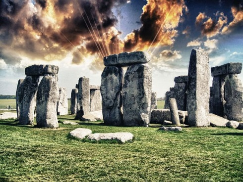 آثار باستانی مرموز,آثار باستانی فرازمینی,موجوات فضایی و ساخت آثار باستانی,نظریه فضانوردان باستان,رد پای موجودات فضایی در آثار باستانی
