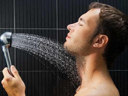 دوش گرفتن