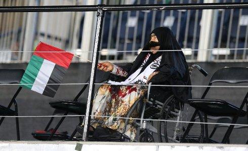 بانوی محجبه با ویلچر در افتتاحیه جام ملت های اسیا