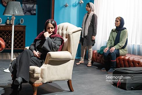 سمیرا حسن پور و جوانه دلشاد در نمایش 30 دی 95 در در پردیس تئاتر سپند