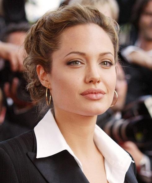 Angelina Jolie,زندگی شخصی آنجلینا جولی,زابطه آنجلینا جولی و سلبریتی ها,سلبریتی هایی که از آنجلینا جولی بیزارند,آنجلینا جولی,روابط عاشقانه آنجلینا جولی