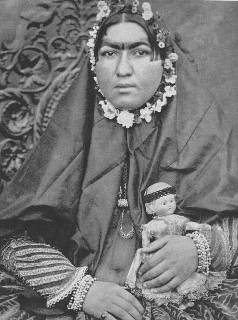 سوگلی ناصرالدین شاه : انیسالدوله