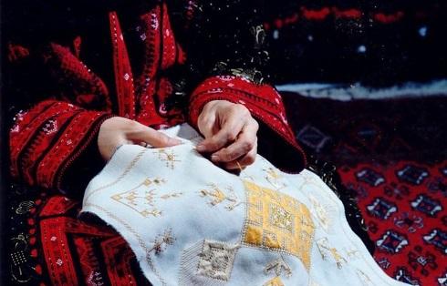 سوزن دوزی سوغات اردبیل