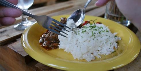 برنج,بزرگ شدن شکم,بزرگ شدن شکم با خوردن برنج,چقدر برنج بخوریم تا شکم مان بزرگ نشود؟