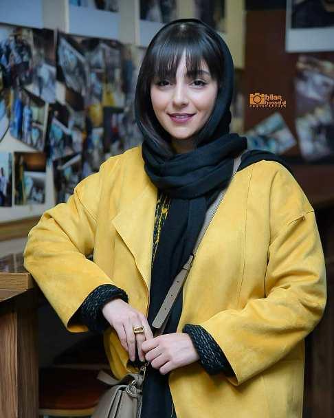 هستی مهدوی در اکران فیلم ماجرای نیمروز در جشنواره فیلم فجر