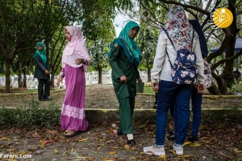 برخورد با زنان بد پوشش در آچه اندونزی