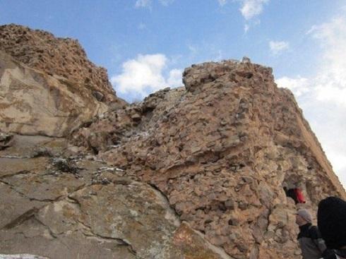 سفر به قلعه و محوطه باستانی بوینی یوغون در اردبیل