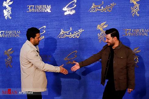 شیطنت حامد بهداد و جواد عزتی روی فرش قرمز جشنواره فجر97