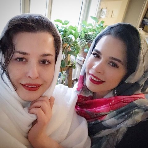 عکس مهراوه شریفی نیا و خواهرش ملیکا شریفی نیا