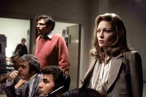 فی داناوی در فیلم «شبکه» (۱۹۷۶)