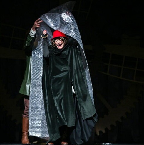 اجرای نمایش «شازده کوچولو» در سی و هفتمین جشنواره بینالمللی تئاتر فجر