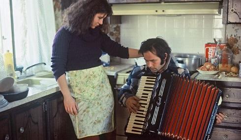 استروژک (1977)