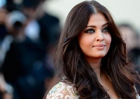 the richest female actress in bollywood1 copy - از آیشواریا رای تا پریانکا چوپرا ثروتمندترین ستاره های زن بالیوود + عکس