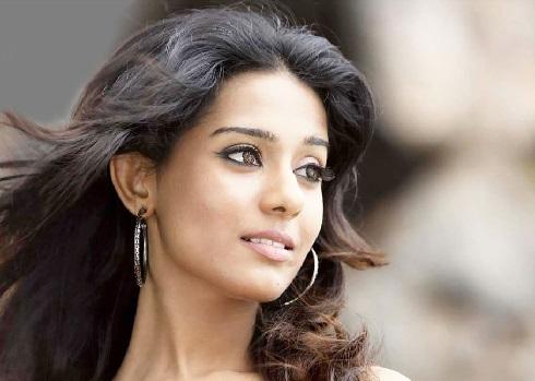 the richest female actress in bollywood4 - از آیشواریا رای تا پریانکا چوپرا ثروتمندترین ستاره های زن بالیوود + عکس