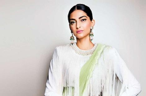 the richest female actress in bollywood8 - از آیشواریا رای تا پریانکا چوپرا ثروتمندترین ستاره های زن بالیوود + عکس