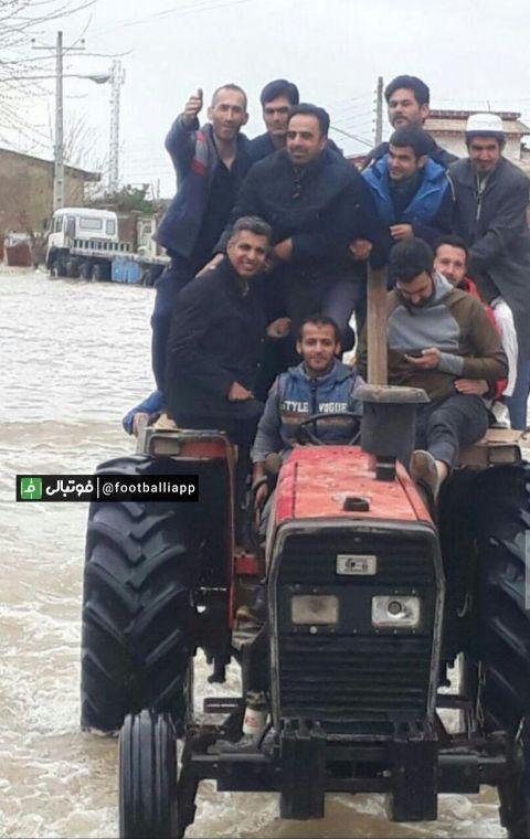 عادل فردوسي پور در مناطق سيل زده