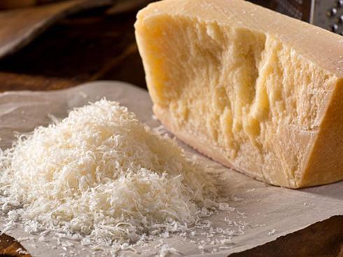 پنیر,کاربرد انواع پنیر در آشپزی,موارد استفاده پنیر های مختلف در آشپزی,کاربرد پنیر پارمزان در آشپزی
