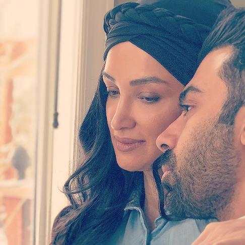 روناک یونسی به همراه همسرش