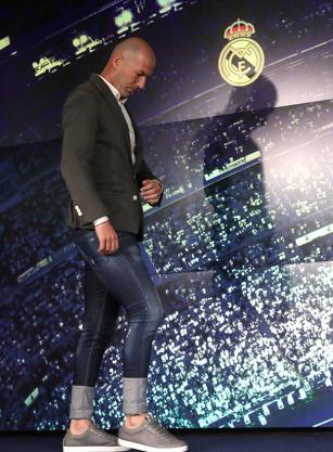 تیپ زین الدین زیدان در مراسم معارفه به عنوان سرمربی رئال مادرید