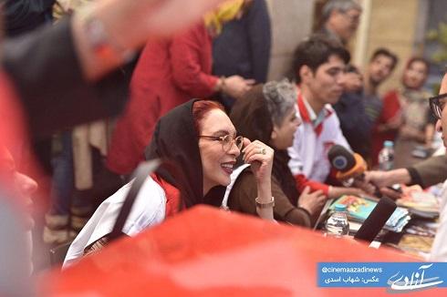 جمع آوري کمک هاي مردم براي سيل زدگان با حضور افسانه بايگان