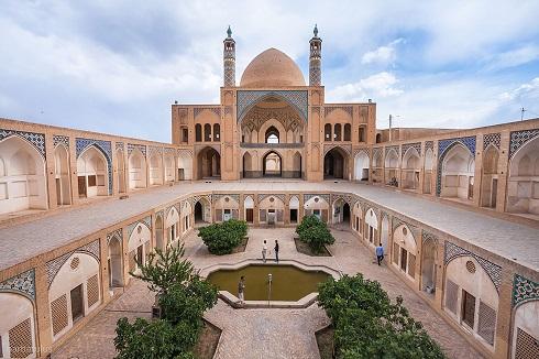 مسجد و مدرسه آقابزرگ کاشان