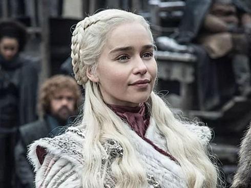 اميليا کلارک در بازي تاج و تخت Game of Thrones
