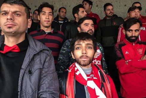زینب در ورزشگاه آزادی درحال تماشای بازی پرسپولیس