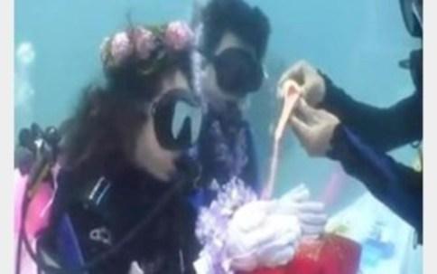 برگزاری مراسم ازدواج زیر آب