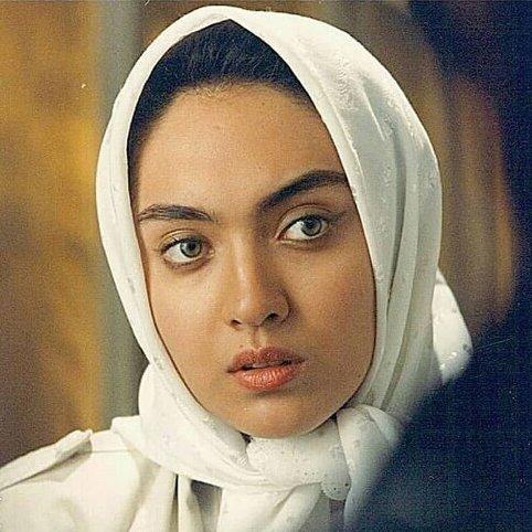 نیکی کریمی در سن 20 سالگی در فیلم رد پای گرگ