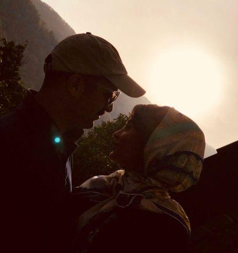 احمد مهرانفر در کنار همسرش مونا فائزپور 3