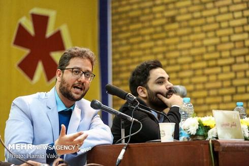 بشیر حسینی و احسان علیخانی در جلسه نقد و بررسی برنامه «عصر جدید»