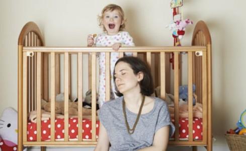 نوزاد بدخواب را چگونه بخوابانیم؟,نوزاد بدخواب,روشهای خواباندن نوزاد بدخواب