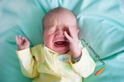 نوزاد در حال گریه کردن