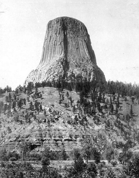 برج شیاطین سال 1900