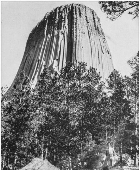 عکسی قدیمی از برج شیاطینِ Vitrified Rock