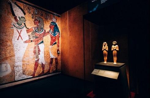 نمایشگاه گنجینه فرعون طلایی در پاریس
