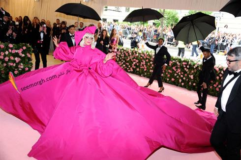 مت گالا,مدل لباس,مدل لباس در مت گالا,عجیب ترین مدل لباس,عجیب ترین مد لباس در مت گالا,مدل لباس در مت گالا 2019 Met Gala لیدی گاگا Lady Gaga با دومین لباس