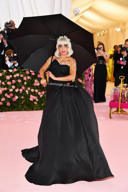مت گالا,مدل لباس,مدل لباس در مت گالا,عجیب ترین مدل لباس,عجیب ترین مد لباس در مت گالا,مدل لباس در مت گالا 2019 Met Gala لیدی گاگا Lady Gaga با اولین لباس