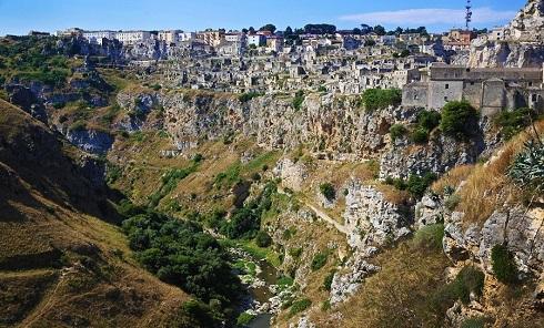 زندگی انسان های مدرن در غارهای 9000 ساله