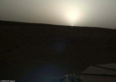 طلوع و غروب خورشید در مریخ