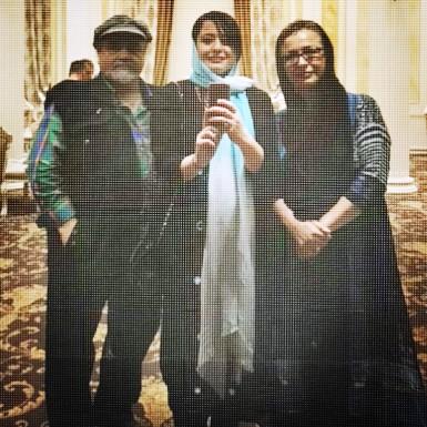 عکس مهراوه شریفی نیا در کنار پدر و مادرش