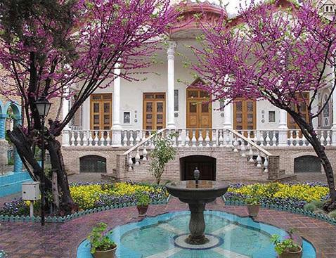 موزه مقدم خانه قاجاری قدیمی